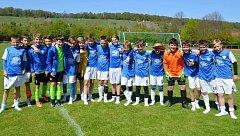 Hráči FC MAS Táborsko s přáteli z mužstva SGV Freiberg.