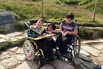 Michal a Filip, dvojčata, jež potřebují neustálou péči.