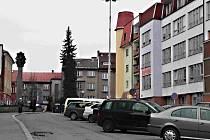 Budova stojí ve Vančurově ulici, v centru Nového Města.