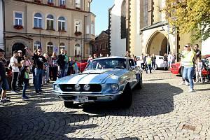 Příspěvky věnovali řidiči, návštěvníci i další organizace. Kolona automobilů vyjela v neděli 13. října ráno z Tábora do Bechyně a odpoledne se představila na Žižkově náměstí.