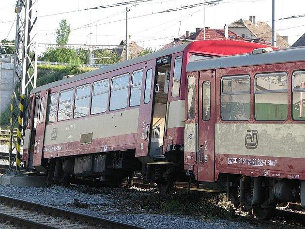 Hodinu po půlnoci se v Táboře srazily vlaky.