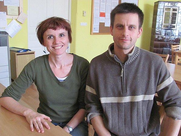 Učitelé zfrancouzské sekce Kateřina Rinkeová a Miroslav Velík.