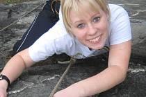 Dominika Mastilová se poslední dobou našla v lezení po skalách.