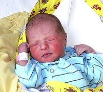 LINDA HÁKOVÁ Z DEBRNÍKU. Je první dcerou rodičů Anety a Jiřího a narodila se 17. února ve 4.34 hodin. Její váha byla 3060 g a míra 49 cm.