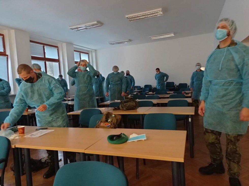 Také ženisté z Bechyně pomáhali v boji s covidem, a to v Ústřední vojenské nemocnici Střešovice v Praze.