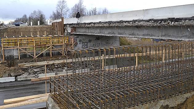 most v Čekanicích