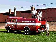 Nová stříkačka pro hasiče z Dobronic u Bechyně.