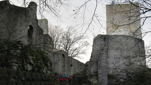 Na hradě Choustník bylo poslední den v roce živo.