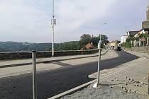 Opravená ulice Na Parkánech