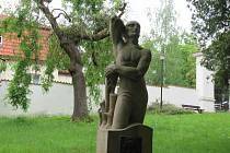 Park Pod Kotnovem, pomník Josefa Němce.