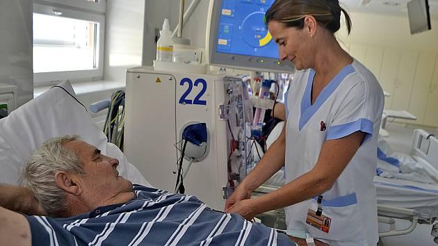 Nemocnice v Táboře již rok využívá zrekonstruované oddělení hemodialýzy.