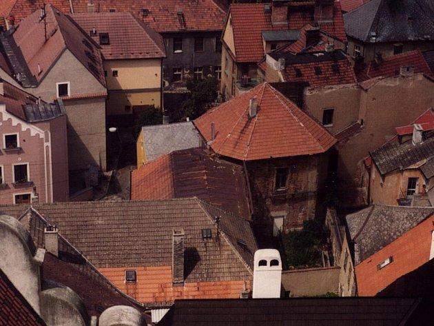 Při rekonstrukci domu čp. 309 v Zahradnické ulici byl v předním dvoře objeven zasypaný klenutý prostor, který dosud nebyl nikde zmiňován.