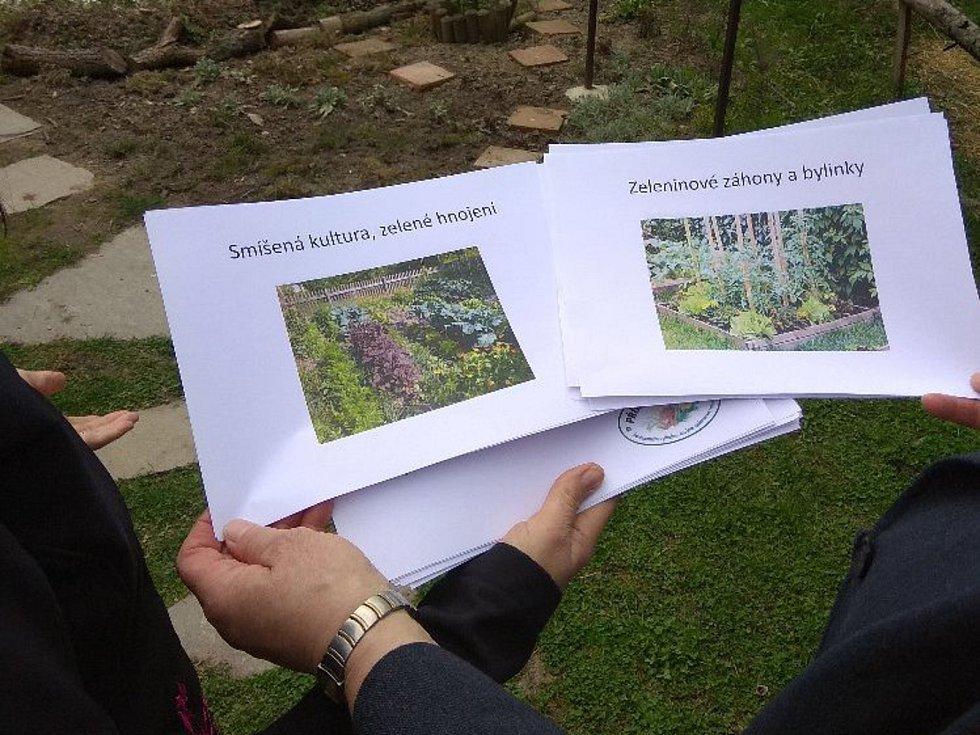 Přírodní zahrady jsou zajímavou alternativou.