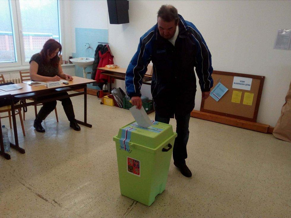 Volební místnost Táboře, v sídlišti Nad Lužnicí.