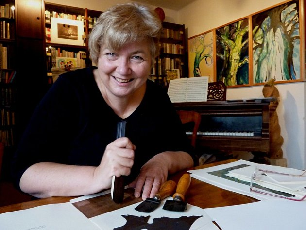 V neděli si rodina a přátelé Marie Michaely Šechtlové připomínají slavného fotografa Josefa Šechtla, od jehož smrti v tento den uplynulo 25 let.