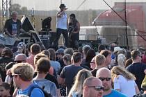 Jubilejní 15. ročník želečského festivalu Footfest zahájily kapely jako Handgrenade, Tlustá Berta, Debustrol a Doga.