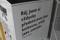 BIBLIBOX u knihovny v Jiráskově ulici.