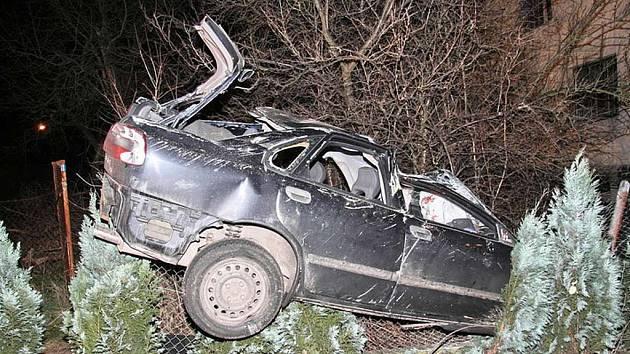TRAGÉDIE. Mladý život ukončila včerejší dopravní nehoda v Plané nad Lužnicí.