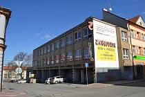 V Kollárově ulici v Táboře přestavuje vlastník bývalou autoškolu na ubytovací prostory.