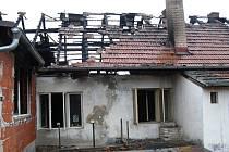 Vyhořelý dům v Sedlečku.