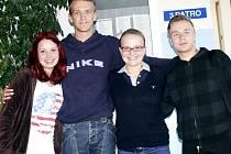 PŘIUČILI SE. Na přednášce s Monikou Bokšovou (uprostřed) debatovala Kristýna Mládková (zleva), Marian Červenák a Stanislav Kukral.