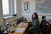 Provoz letecké záchranky převzala armáda. U vysílačky měla první den službu Jana Šámalová