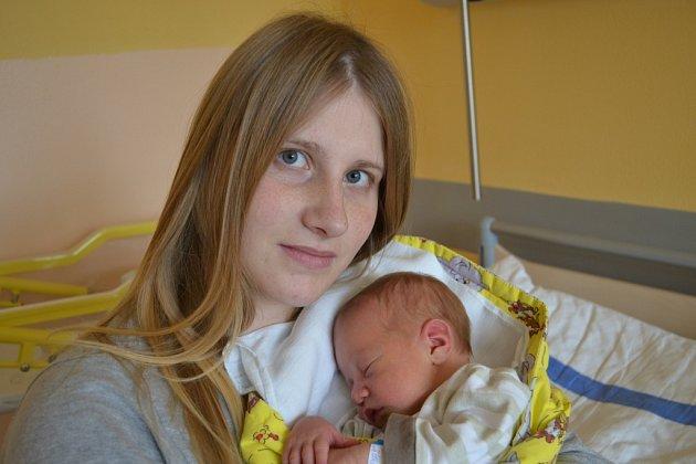 MATYÁŠ PAŘÍZEK Z VESELÍ NAD LUŽNICÍ. Narodil se 21. června v 16.09 hodin. Vážil 3440 g, měřil 49 cm a už má brášku Michala (4).