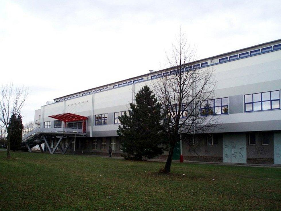 Variantami pro možný vznik očkovacího centra v Táboře je například zimní stadion či kulturní dům Milenium.