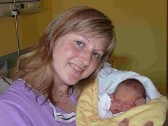MICHAL PISTULKA Z POŘÍNA. Přišel na svět  21. července v 8.11 hodin. Prvorozený syn Veroniky a Michala  vážil 3080 g a měřil 49 cm.
