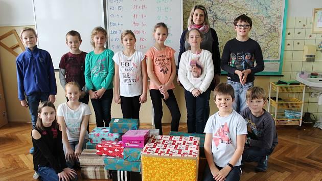 Děti ze 4. B ZŠ Zborovská si vzali akci za svou.