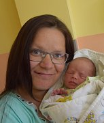 Adam Brabec z Jetřichovce. Narodil se 21. května dvanáct minut po třetí hodině. Jeho váha byla 2730 gramů, měřil 49 cm a sestřičce Amálce jsou tři roky.