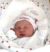 ANNA JANOVSKÁ ZE ZHOŘE U TÁBORA. Narodila se 1. března v 19.19 hodin. První dcera Petry a Jaroslava vážila 2710 g, měřila 48 cm.