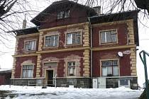 České dráhy prodávají budovu nádraží v Chýnově. Město o ni však nemá zájem. Rekonstrukce by vyšla na několik milionů.