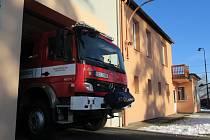 Soběslavští hasiči naštěstí už neměli co hasit. Požár uhasil řidič autobusu ještě před jejich příjezdem.