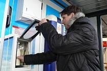 Po sídlišti Nad Lužnicí má svůj automat na mléko i Pražské sídliště.