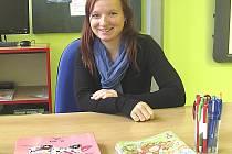 Devětadvacetiletá kantorka Hana Vondřičková pochází z Měšic, kde nyní učí v první třídě.