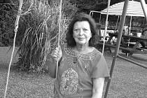 Část prázdnin každý rok tráví u syna a vnoučat na chatě na Soukeníku. Pak také navštěvuje sestru, která žije na Jistebnicku.