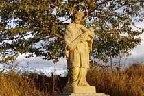 Nadějkov přišel o sv. Jana Nepomuckého.