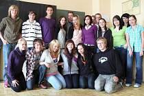 Deváťáci ze ZŠ Husova by ocenili větší pomoc radnice škole.