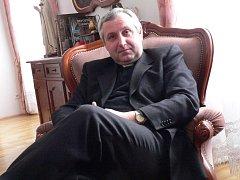 1793818427e Vlastimil Kročil vede ve Veselí farnost od roku 1997