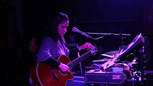 OBRAZEM: Koncert Lenky Dusilové v táborském klubu Garage