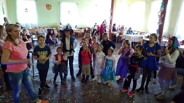 Rej v kulturním domě si užili děti i rodiče.