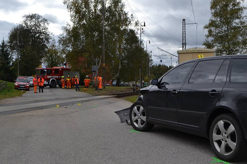 Nehoda na železničním přejezdu v Roudné u Soběslavi v roce 2017.
