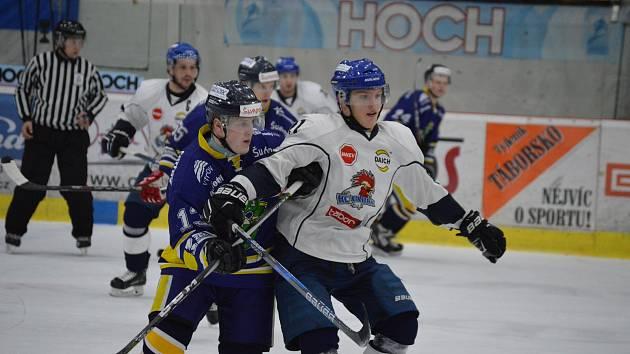 První sezónní střet obou soupeřů vyhrál u Jordánu šumperský favorit 3:0.