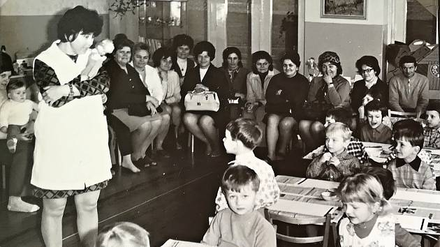 Z historie soběslavské mateřské školy Nerudova.