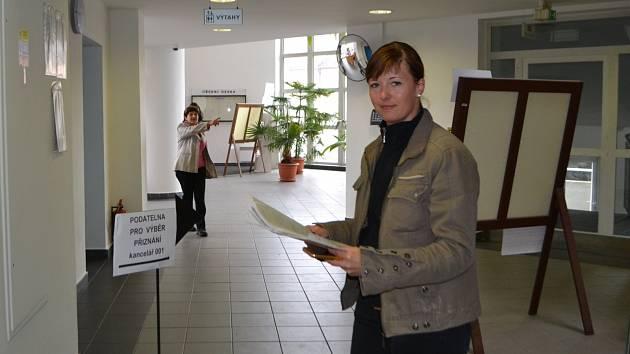 Petra Honsová ze Zaluží si rychlost, s jakou v pondělí na Finančním úřadě daňové přiznání vyřídila, velmi pochvalovala.