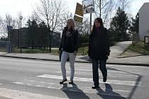 Přechod za novým mostem přes Lužnici označily děti z veselské školy z ulice ČSA za jedno z nejnebezpečnějších míst ve městě. Radnice už podniká kroky k jeho přemístění o pár metrů směrem k náměstí.