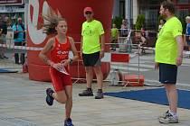 Královna kategorie mladších žákyň Denisa Červenková na trati domácí Velké ceny E.ON.