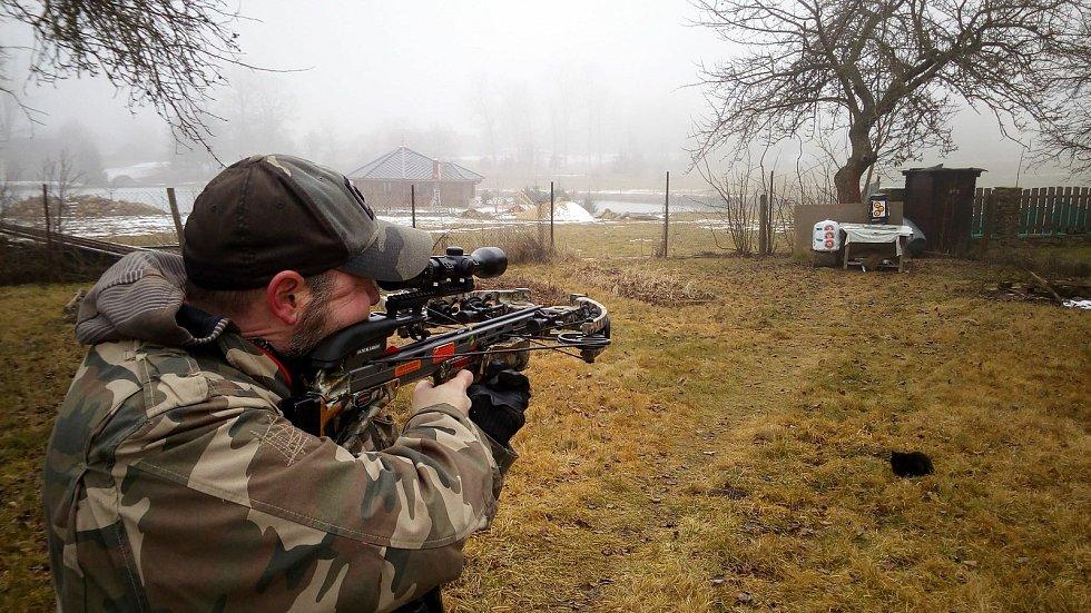 Střelec z kuše z Táborska míří na mistrovství Evropy.