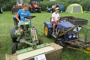 Za mostem v Dráchově se konal v sobotu 17. srpna již 8. ročník traktoriády.
